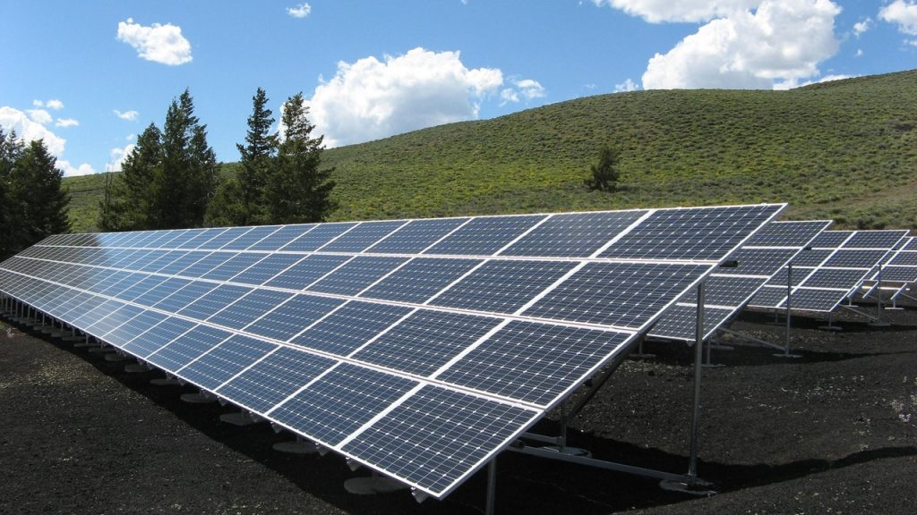 solar panels are being used in chinas Tengger farm